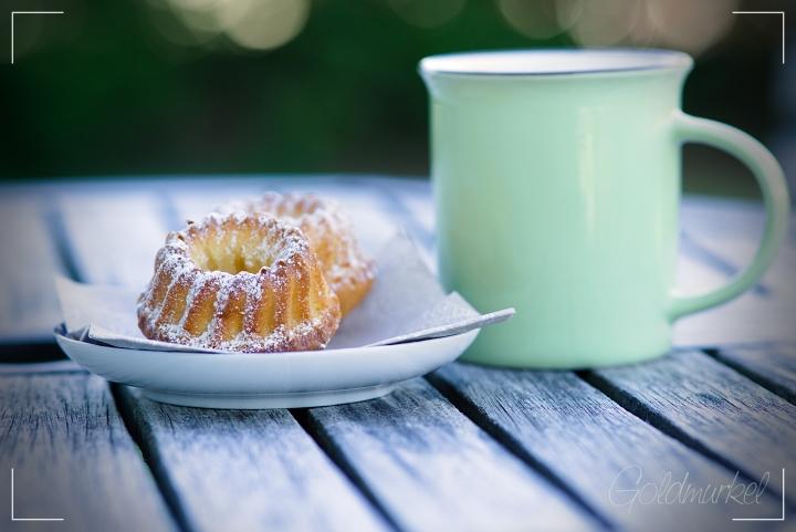 Minigugl und eine Tasse Kaffee